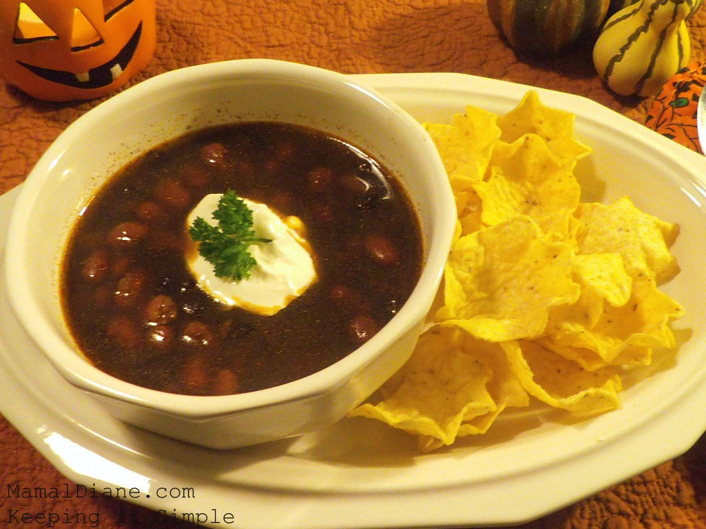Spicy Black Bean Soup in the Slow Cooker - Mamal Diane