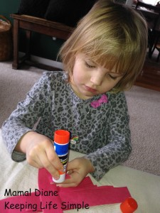Red Paper Chain ~ Preschool Craft 014