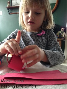 Red Paper Chain ~ Preschool Craft 018