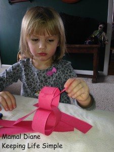 Red Paper Chain ~ Preschool Craft 022