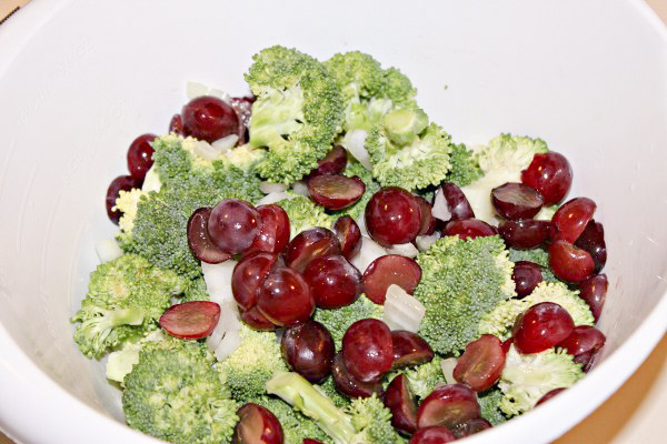 Creamy-Broccoli-Salad-1-e1435934128845 (1)