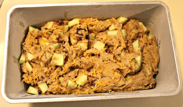 Apple Cheddar Bread d