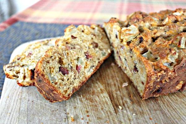 Apple Cheddar Bread 066a