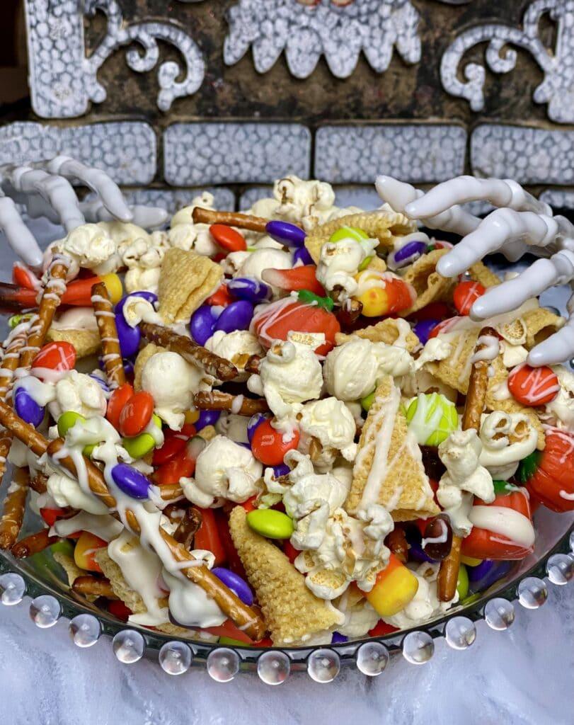 Halloween snack monster munch